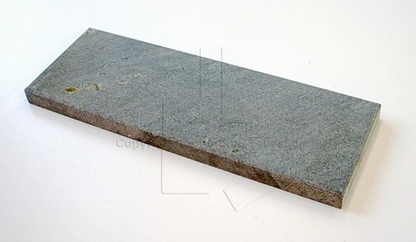 Handöl 9 Speckstein mittig über Ascheklappe